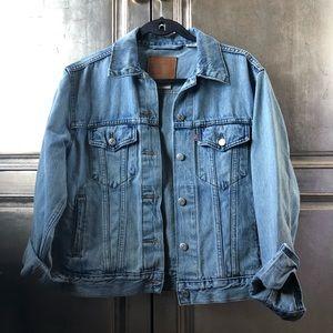 Levi's ex boyfriend denim jacket.